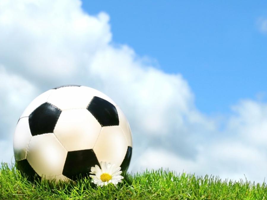 1600×1200-soccer-ball-blue-sky-powerpoint-template   round rock, Modern powerpoint